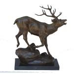Bronze Cerf patte arrière relevée